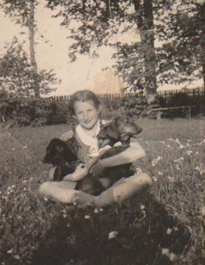 1938 su Tobiu ir Dzinguliu Bugiuose Sruogaite-min