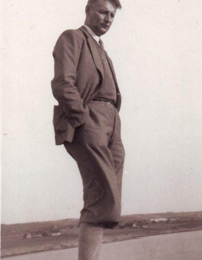 B. Sruoga pirma foto-min