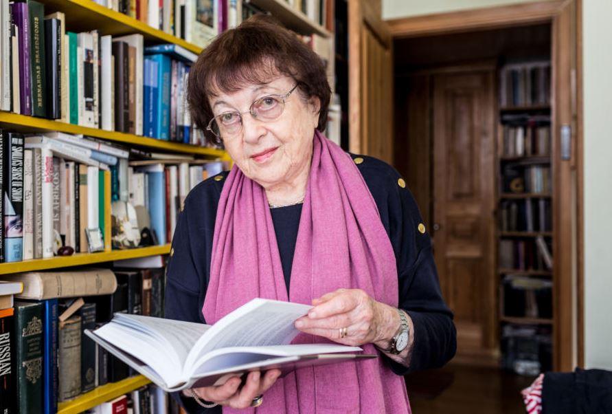 Sveikinimas profesorei Irenai Veisaitei